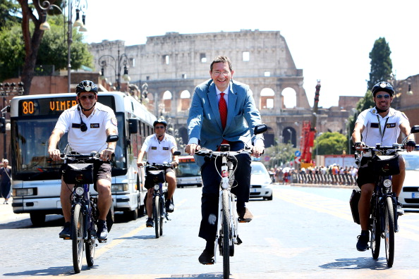 Rome To Ban Private Traffic In Via dei Fori Imperiali