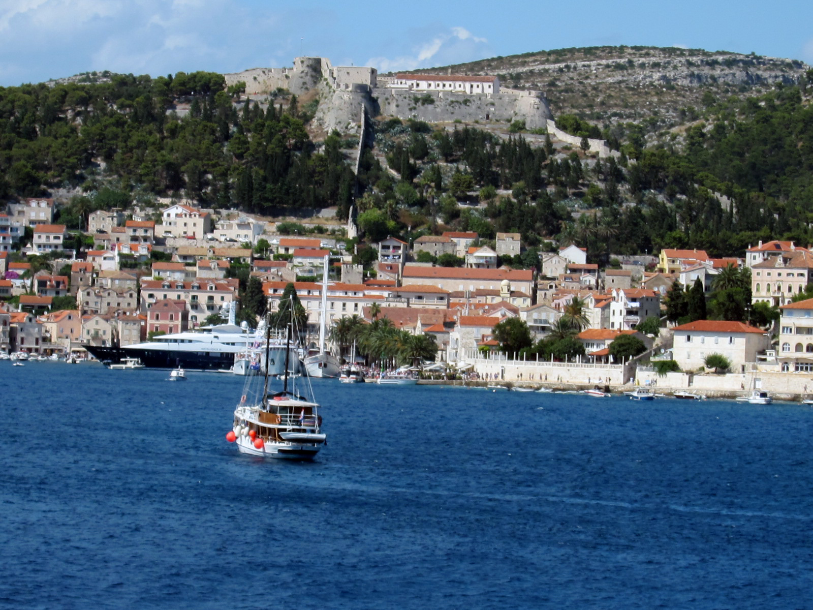 Hotels In Hvar With Inter Interconnecting Rooms