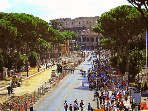 Roma_Via_dei_Fori_Imperiali