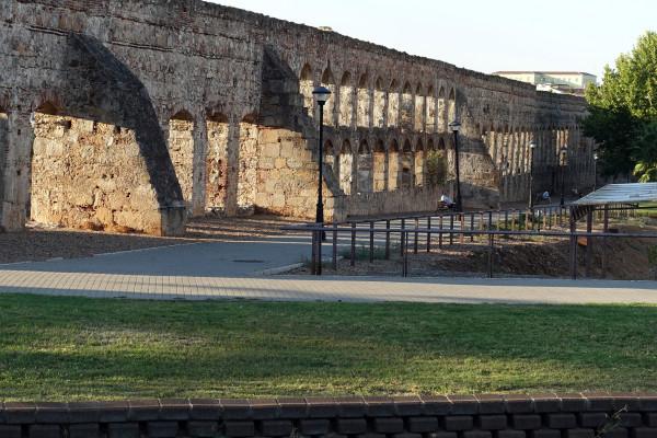 aqueduct_SanLazaro_merida