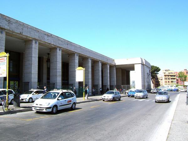 Roma_Ostiense_station