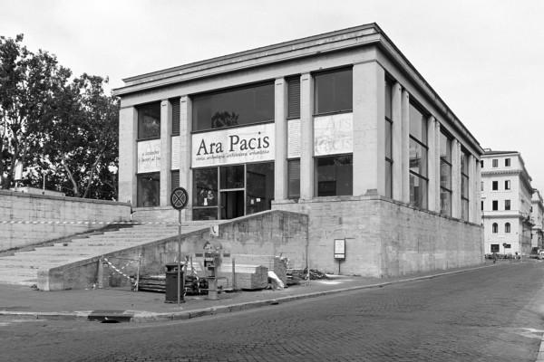 araPacis_2000