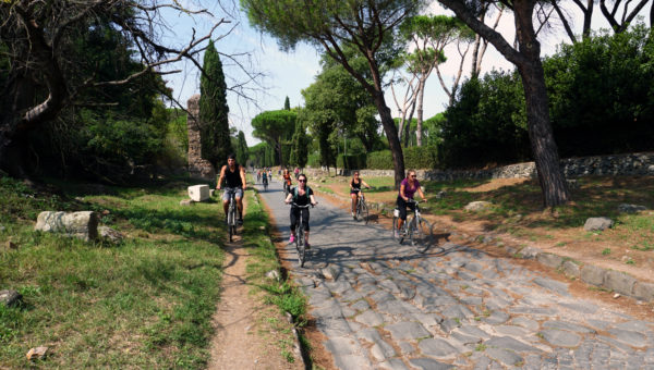 appia_antica_bikers