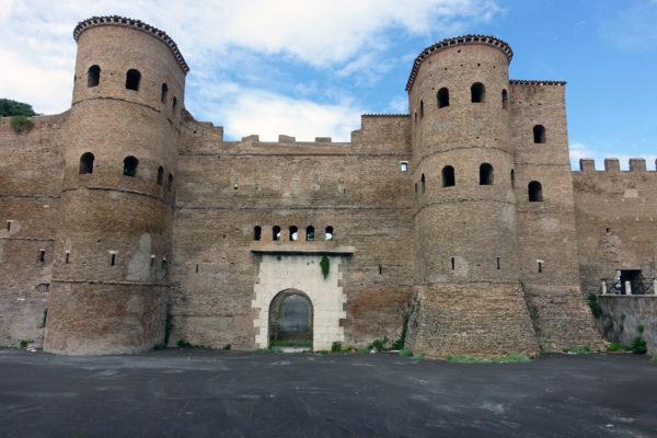 Porta_Asinaria_external